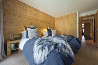 Victoria 111 Bedroom