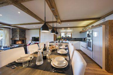 Chalet Apartment Saana Dinning Table