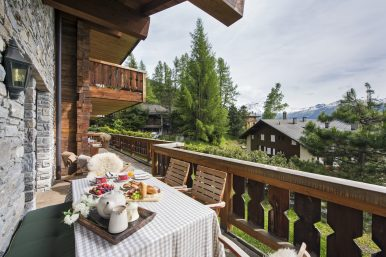 Chalet Ivouette Balcony View